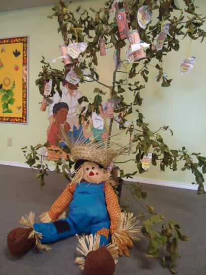Fall Scarecrow Tree Idea