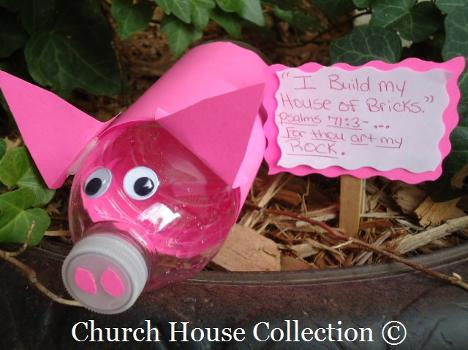The Three Little Pigs Craft-Water Bottle Pig Craft